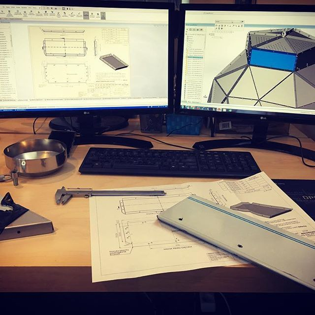 Nowy rok, nowi my ⚙️ Teraz pracujemy na nowym oprogramowaniu SolidWorks Professional 2017 i SolidWorks Composer  #work #office #engineer #engineering #passion #modelmania #solidworks #solidworks2017 #construction #constructor #design #desk #simple #quality #ideas #perfect #niezchinzpasji #project #polscyprojektanci #polskidesign #design #instagood #instadaily #instapic #instaphoto #instalike #like4like