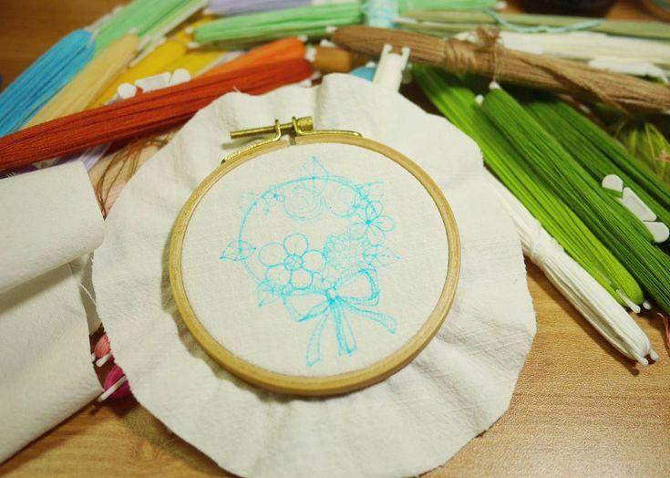 도안 . .  #꽃자수 #프랑스자수 #서양자수 #입체자수 #embroidery #woolstitch #수틀 #꽃 #자수타그램 #stitch #flower #자수 #handmade #handembroidery#리스#embroideryhoop #stitching #손자수#hoopart #hoop