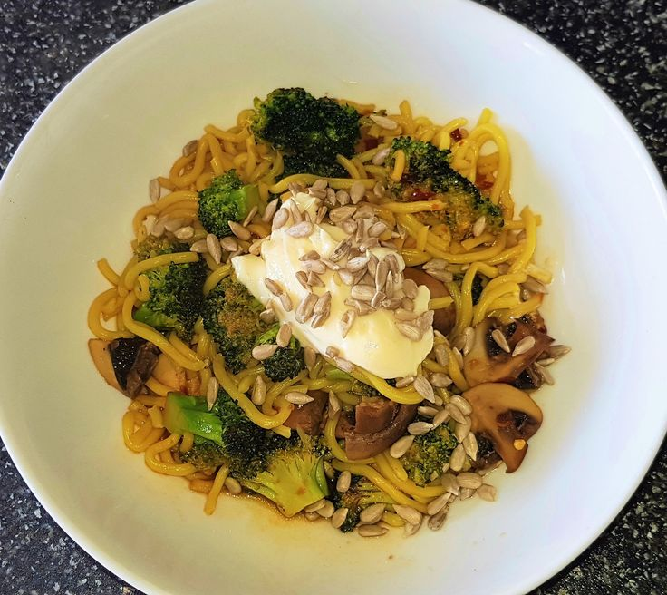 Recipe of the Week - Chili and Mayo Stir Fry This five minute meal uses mayonnaise to make a creamy sauce.