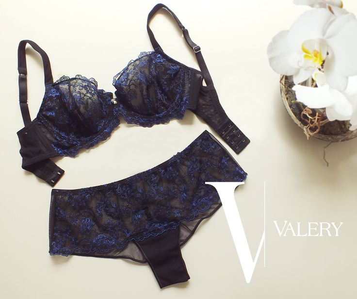 OCH theme - Valery s/s 2016 #lingerie #lingerielover #loveforlingerie #passion #lace #embroidery #blue #black #originalswarowski #swarovskielements #orchid #orchidtheme #mood #chic #elegant #sexy #transparences #stilllife #logo