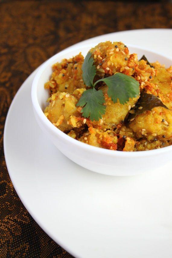 Dudhi Na Muthiya (Steamed Bottlegourd Dumplings)Glorious Food, Food Glorious, Bottlegourd Dumplings, Asian Breakfast, Desi Khana, Gujarati Recipe, Indian, Desi Food, Breakfast Steam