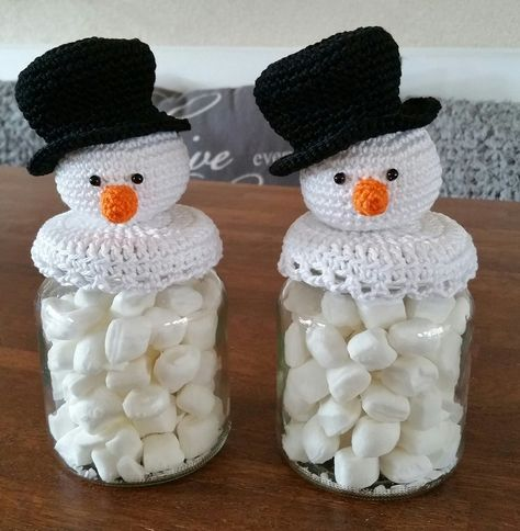 Voor mijn beide nichtjes nog gauw even een kerstpotje gehaakt. Ze waren er erg blij mee. Voordat ze wisten dat het voor hun was riepen ze al...
