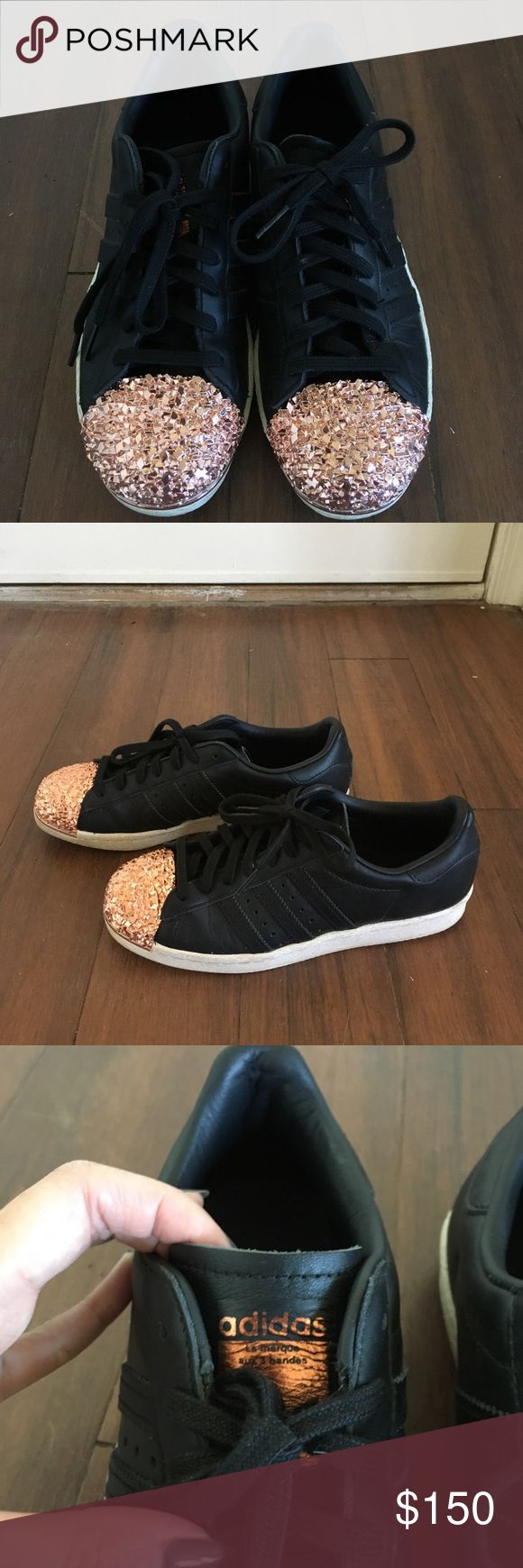 Adidas Black superstar Sneakers with rose gold toe Adidas originals black superstar sneakers with copper metal toe cap. Worn 5x. Near perfect condition. adidas Shoes Sneakers