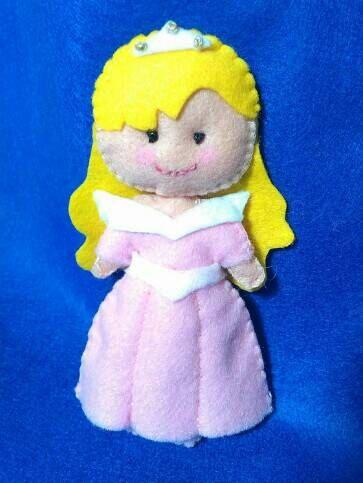 Guarda questo articolo nel mio negozio Etsy https://www.etsy.com/it/listing/504530333/bambola-fatta-a-mano-principessa-aurora