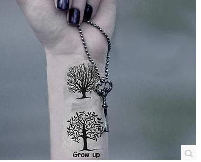 Tatuaje arbol sin hojas y con hojas buscar con google for Significado de un arbol sin hojas