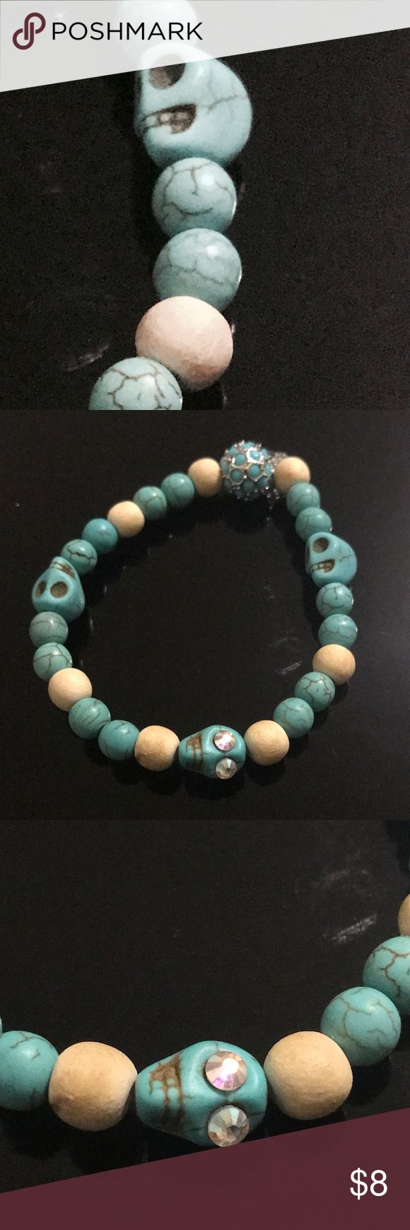 Magnesite skull bead bracelet Turquoise magnesite beads with lovely skull spacers and wooden beads. Jewelry Bracelets