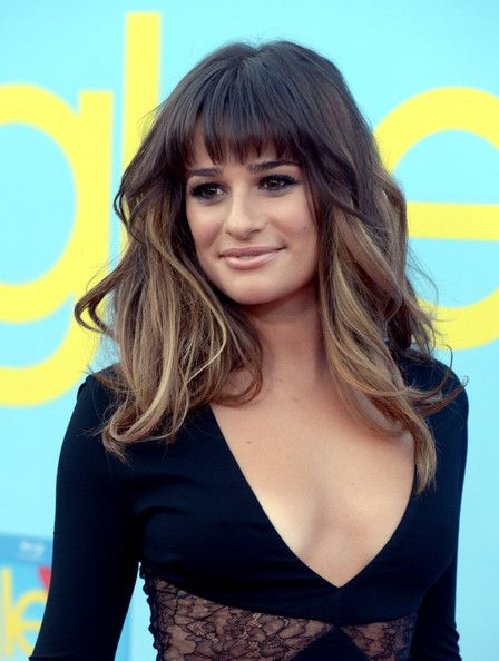 Not too long and not too short, we love this mid length, full of volume look on Lea Michele. The fab color is an added bonus ;)