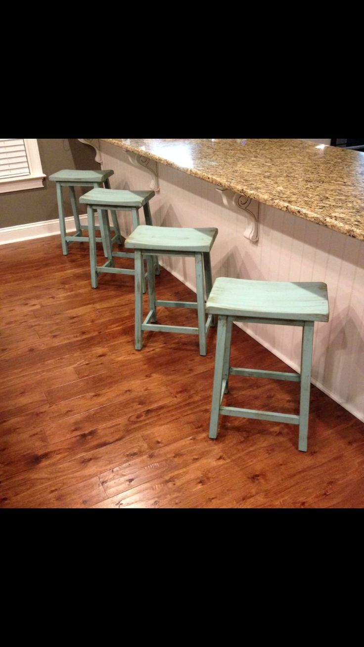 Chalk painted bar stools #onemamaarmy
