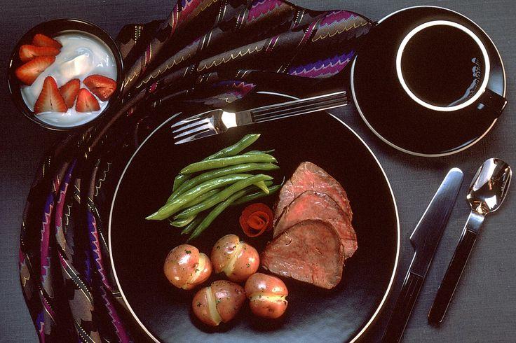 """Las judías verdes son una de las verduras más elegidas para acompañar platos o preparar cremas, y no nos extraña, ya que se trata de uno de los alimentos con más propiedades beneficiosas para nuestro organismo que existen. Y es que estas judías, que poseen un bajo contenido calórico, contienen un tipo de fibra que … Continuar leyendo """"Judías verdes con salsa de soja"""""""
