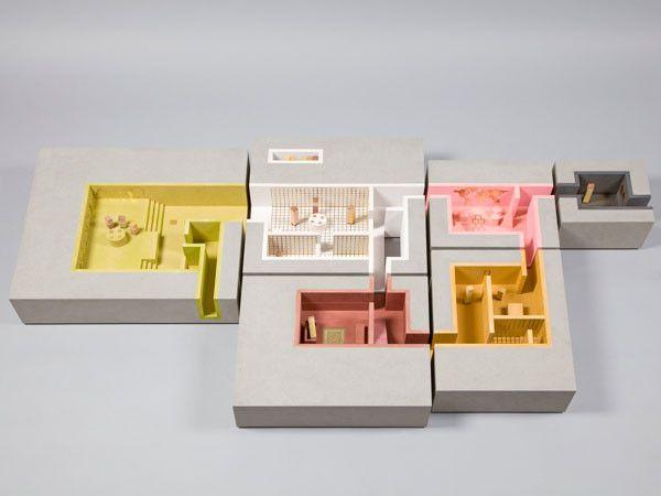 A Dolls' House auction for KIDS charity maquette kleur ruimteschakeling concept doorgang ruimte