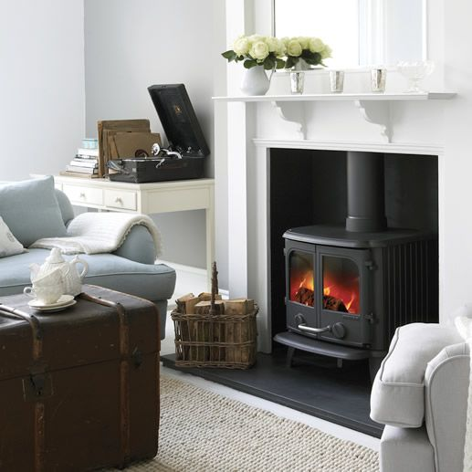 The Morsø 2110 is an elegant double-door multi-fuel stove with an aesthetic style that it is at home in both contemporary and traditional settings. The large s