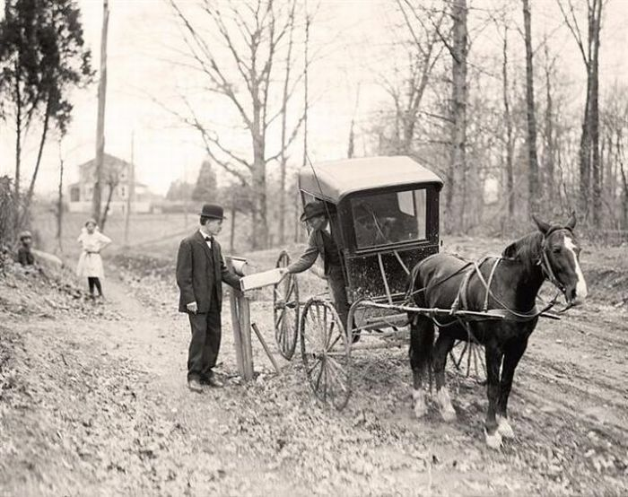 a rare image of Rural Mail Delivery by Harris & Ewing,  1914