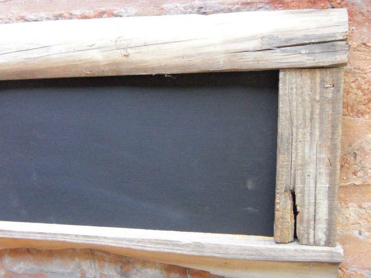 Pizarrón con marco de madera antigua