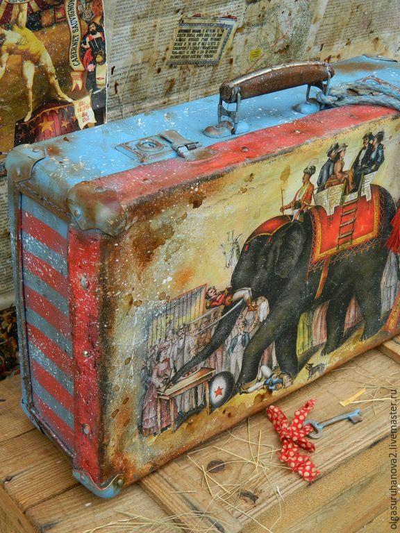 """Купить Чемодан """"Слон и Моська """" - разноцветный, чемодан, чемоданчик, ретро, винтаж, старый чемодан"""