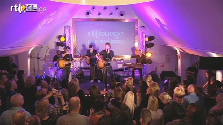 Waylon - RTL Lounge Radio Live. http://www.rtl.nl/experience/rtllounge/