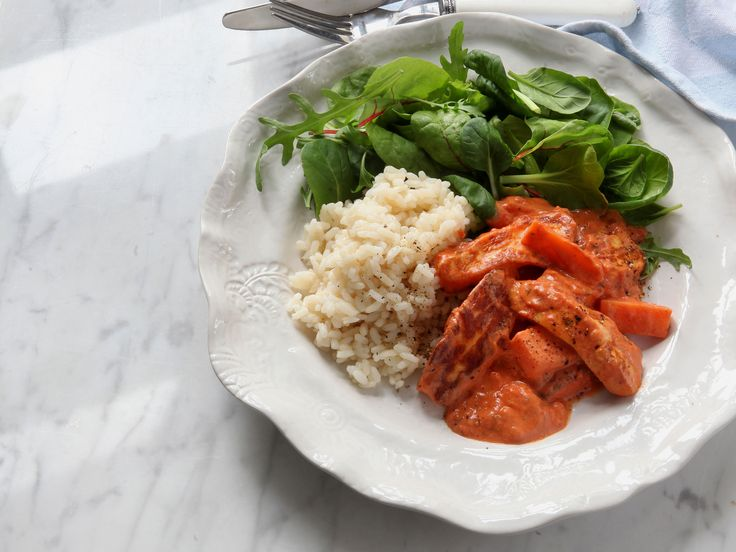 Halloumi stroganoff med ris | Recept från Köket.se