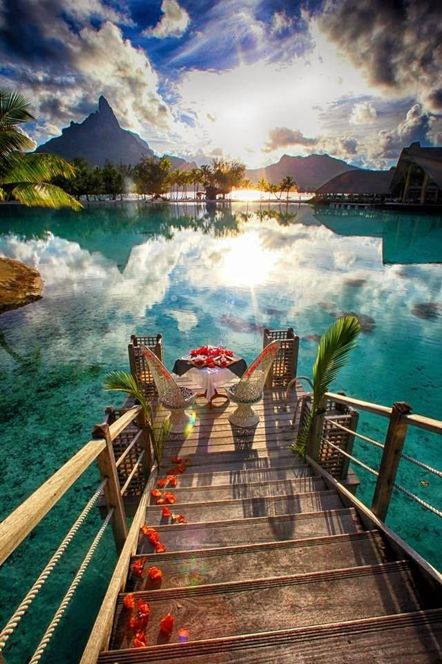 Bora Bora Tahiti. This is ono of my top 5 places to go/take my wife... when i'm married of course. #beautiful #places