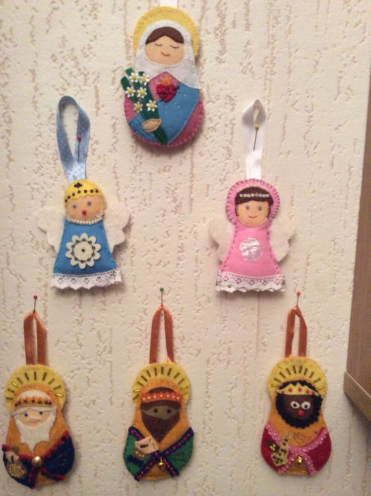 Felt Bethlehem on my study wall: Mary, 2 angels and the 3 Wise Men from the Orient