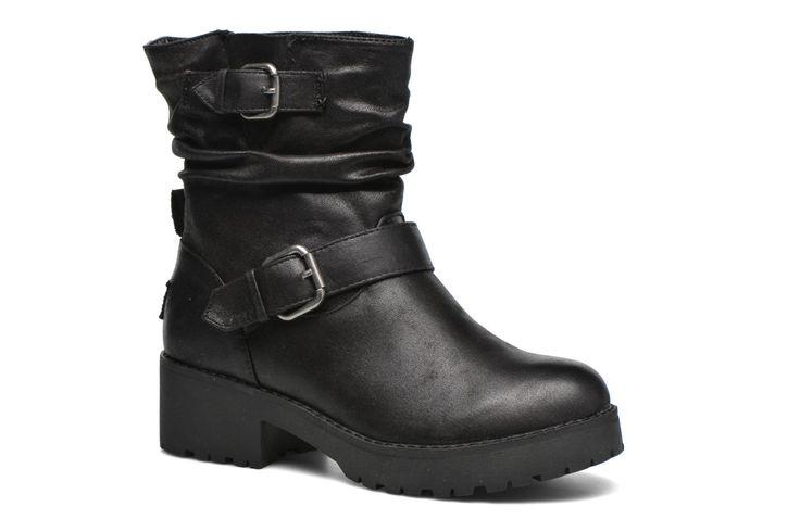 Coolway wordt in 2003 opgericht in Spanje. De ontwerpers realiseren zich dat schoenenmode niet even snel groeit als kleding. Sterker nog, ze hebben het gevoel dat het zo goed als onmogelijk is om modieuze outfits te combineren met hippe schoenen, simpelwe ...