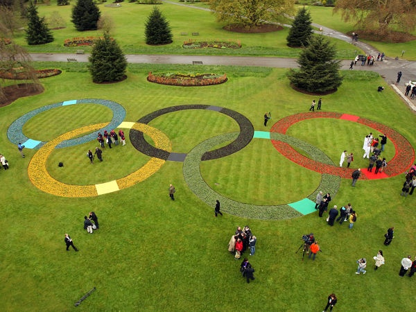 Crop circles in England - UFOs - Union of Funny Olympians