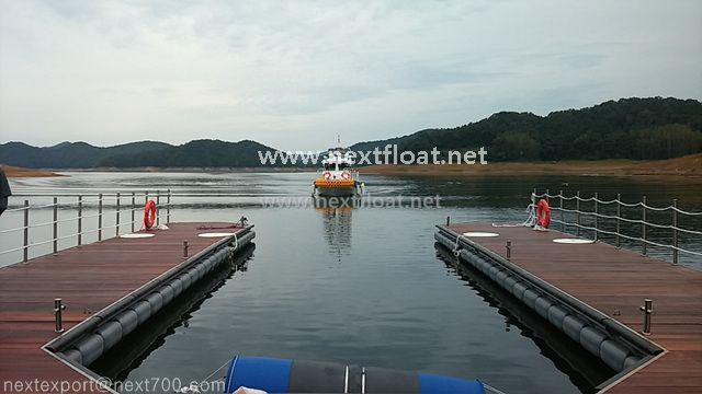 이곳은 대청호 한국환경공단에서 의뢰한 수질감시선계류장입니다. It is a boat for monitoring on air pollution from Korea Environment Center. #nextfloat, #moorings #boat