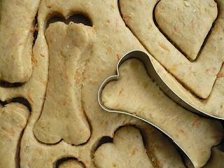 Zoethoudertjes: Honden koekjes met leverpastei/worst