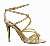Sandales modèle Sabine, Patrick Cox  - Mode chaussures 2007 - Digne descendant de la mythologie romaine, ce modèle glamourissime puise ses influences dans ces toges sobres agrémentées de sandales à lanières. Une féminité à toute épreuve pour un luxe vraiment sophistiqué...