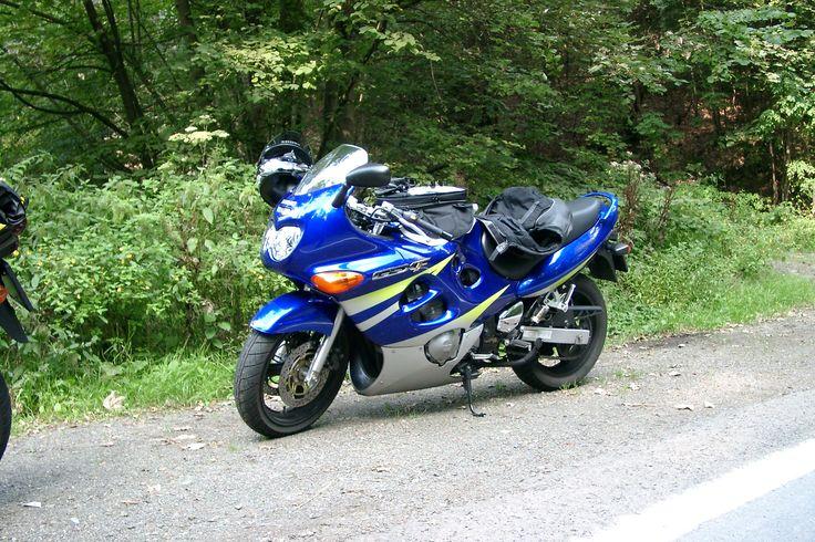 Suzuki GSX 600 FY