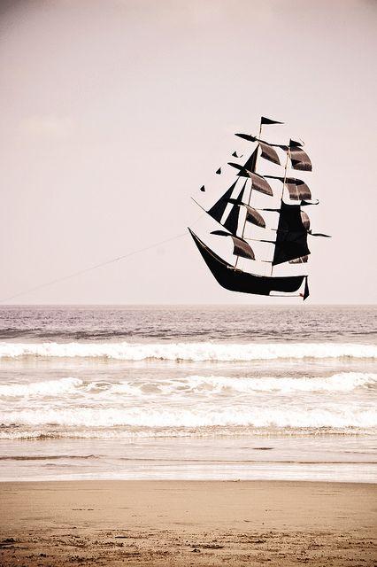 It's a Pirate Ship Kite! by tash:), via Flickr