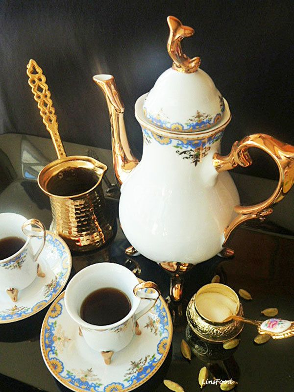 Quick and Easy recipe for Arabic Coffee, slightly different from its Turkish counterpart.