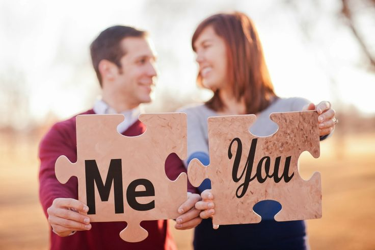 His, Hers and Ours DIY: PUZZLE PIECES Engagement picture prop