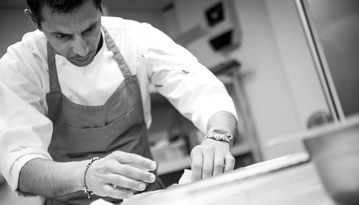 Αλλαγή φρουράς στο rooftop του ξενοδοχείου Athens Was. Ο executive chef του Mazi στο Λονδίνο, Αλέξανδρος Χαραλαμπόπουλος, αναλαμβάνει επίσης και την κουζίνα του Sense μετά την διακοπή συνεργασίας του εστιατορίου με τον Θοδωρή Παπανικολάου.