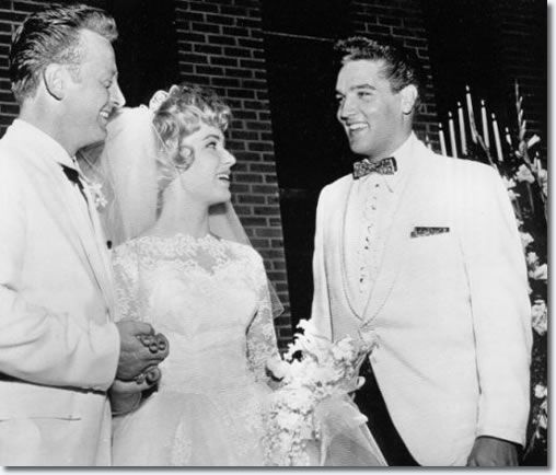 Elvis Presley : Red West's Wedding to Elvis' Secretary Pat Boyd : July 1, 1961 - See more at: http://www.elvispresleymusic.com.au/pictures/1961_july_1_red_west_elvis_secretary_pat_boyd_wedding.html#sthash.xcpdAEbi.dpuf