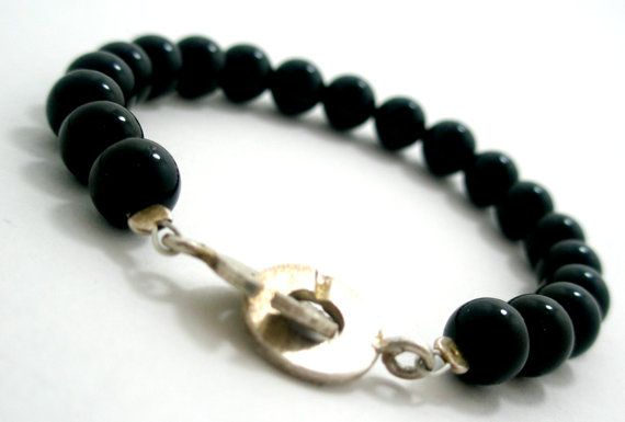 Handmade Onyx and Silver 925 Clasp Bracelet.  Size: approx. 17cm   We can resize for you, all of our jewelries, so feel free to ask!  Τhe bracelet comes in a gift box!  Do you like this item? See more at: https://www.etsy.com/shop/VirgoHandmadeJewelry  Like us on Facebook:  https://www.facebook.com/VirgoHandmadeJewelry  or   follow us on Pinterest: www.pinterest.com/VirgoJewelry   Thanks for stopping by - Virginia