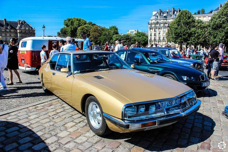 #Citroën #SM à la Traversée de #Paris en #Voitures #Anciennes #TdP2015 Article original : http://newsdanciennes.com/2015/08/03/grand-format-news-danciennes-a-la-traversee-de-paris-2/ #Cars #Vintage