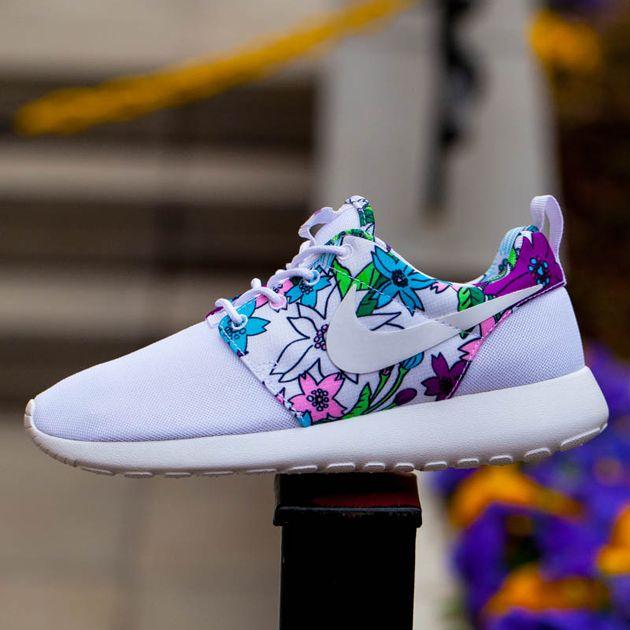 Nike WMNS Roshe One Print - White / Bold Berry