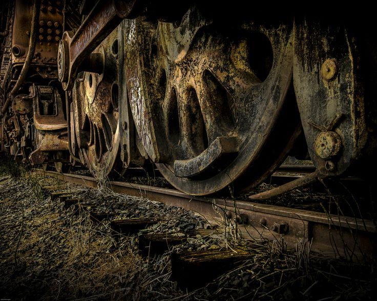 Rusty Wheels by John Hennigan on 500px