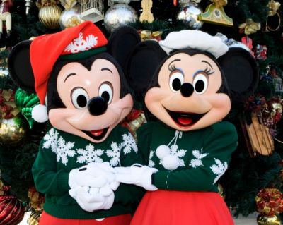 18 Reasons to Go to Disneyland During the Holidays