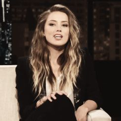 All I want for Christmas is Amber Heard's hair