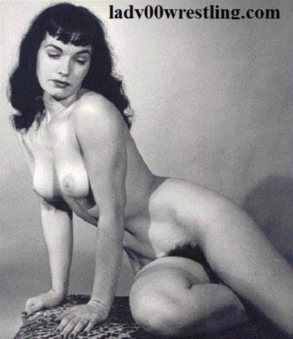 free retro naked woman wrestling