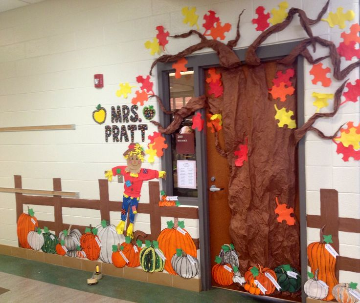 Fall Pumpkin Patch Classroom Door Decoration - features different kinds of pumpkins, and their names - cute, festive AND educational!