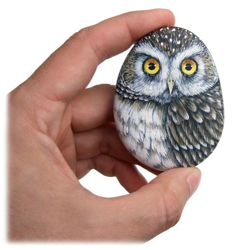 A small rock-painted owl ready to be inserted in to 3-D paintings! | www.robertorizzo.com
