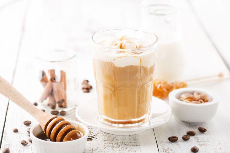 Kawa z masłem orzechowym - przepis