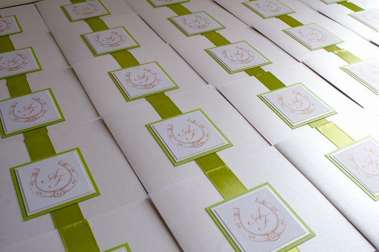 Eleganckie zaproszenia ślubne / Eleganckie białe dekoracje ślubne od FollowMe DESIGN / Elegant Wedding Invitations / Elegant White Wedding Decorations & Details by FollowMe DESIGN