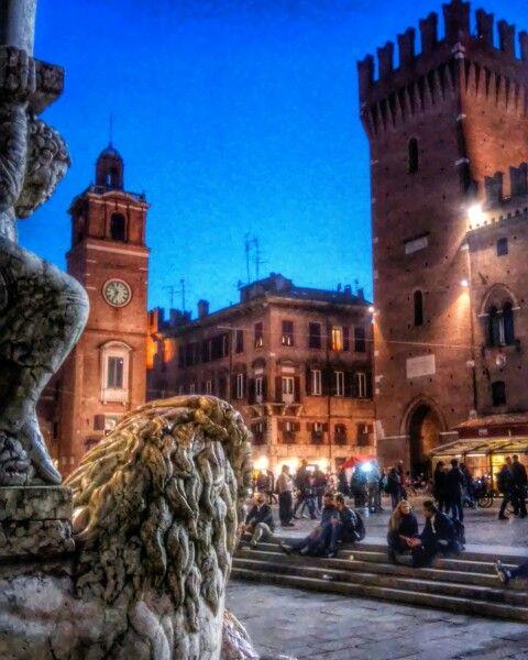 Ferrara di notte.....