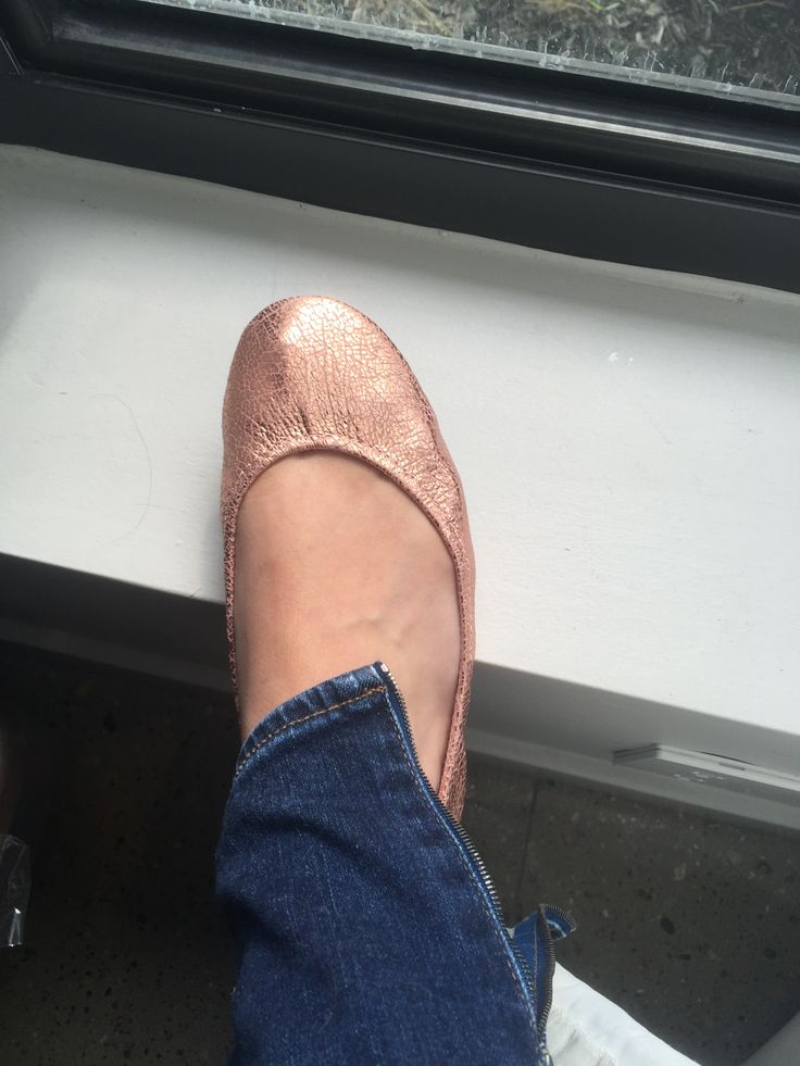 Rose gold tieks www.hedysreviews.com - Are these the most comfortable ballet shoes you can own? #tieks