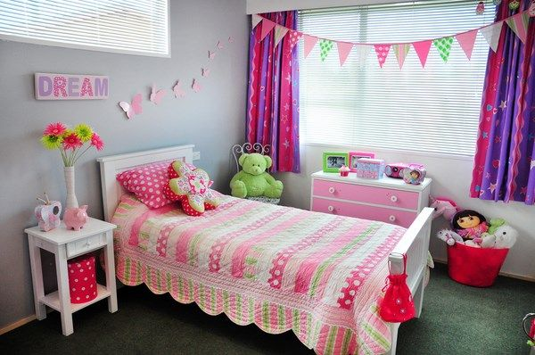 How pretty is Sophies room with the Emma comforter?