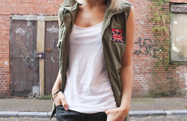 Pocket Embellished Union Jack Patch Vest with Drawstring