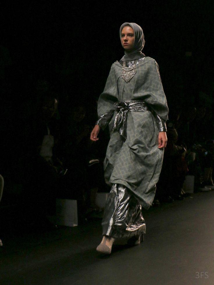 Anniesa Hasibuan nyfw new york fashion week hijab fashion runway womenswear SS17 @sssourabh