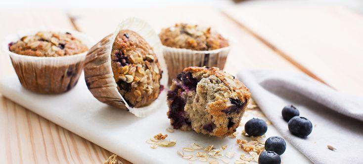 Myslimustikkamuffinit ovat herkullinen yhdistelmä mysliä ja mustikkaa, jotka toimivat ihanana aamun piristyksenä. Kokoa ystävät yhteen ja nauti herkullisesta brunssista, johon kokoat herkullisia muffineja muiden aamuherkkujen seuraksi. Muffinit valmistuvat hetkessä ja ovat parhaimmillaan hieman lämpiminä.
